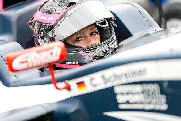 Carrie Schreiner wechselt vom Formelcockpit in einen Lamborghini - Foto: ADAC Formel 4