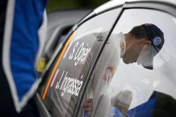 Sebastien Ogier erhält Unterstützung von Andreas Mikkelsen und Mads Östberg - Foto: Volkswagen Motorsport