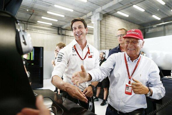 Toto Wolff und Niki Lauda führten Mercedes in der Formel 1 seit 2014 zu vier Fahrer- und Konstrukteurstiteln - Foto: Mercedes-Benz