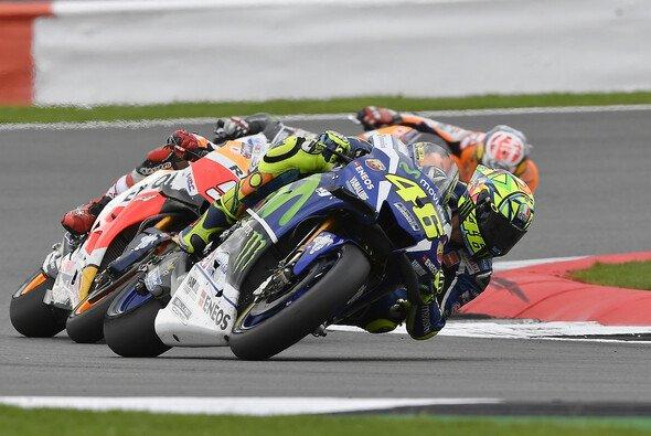 Valentino Rossi setzte im FP1 von Misano die Bestzeit - Foto: Yamaha