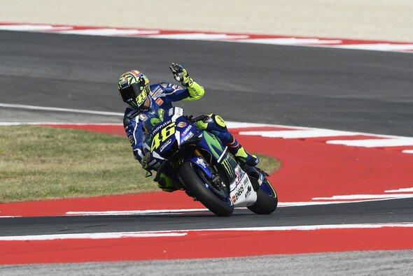 Valentino Rossi geht sein Heimrennen aus Reihe eins an - Foto: Yamaha