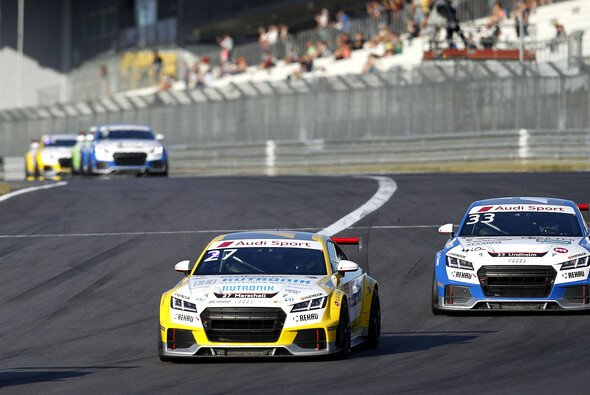 Dennis Marschall liegt in der Gesamtwertung des Audi Sport TT Cup zurzeit auf Rang zwei - Foto: Alexander Trienitz
