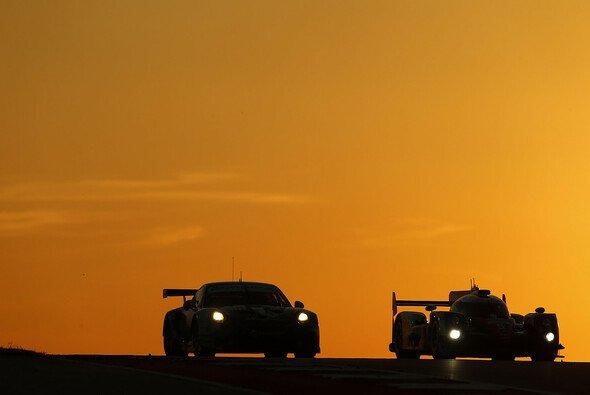 Sowohl in den GT-Klassen, als auch in der LMP1-Kategorie wird noch um Titel gekämpft - Foto: Porsche