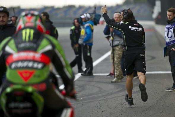 Das Wetterchaos am Lausitzring sorgte bei Fahrern und Crews für Verwirrung - Foto: Kawasaki