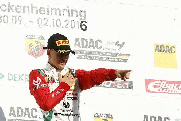 Mick Schumacher testet aktuell im Formel-3-Boliden von Prema auf dem Nürburgring - Foto: ADAC Formel 4