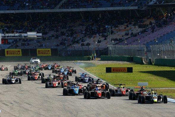 Auf dem Programm stehen sieben Wochenenden - Foto: ADAC Formel 4