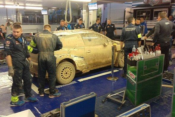 Jari-Matti Latvalas Polo R WRC nach der Rückkehr in den Service - Foto: Motorsport-Magazin.com