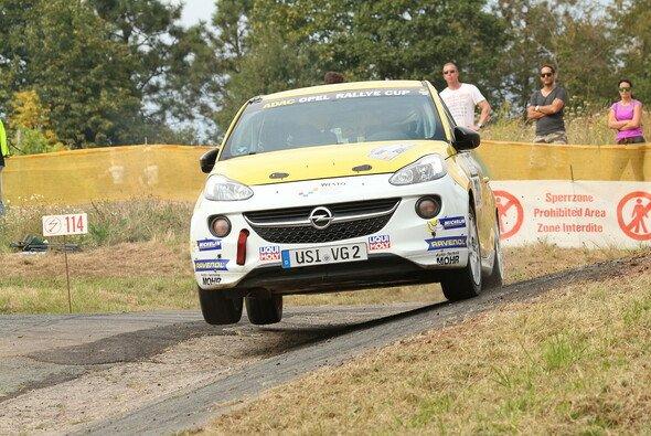 Eher mathematischer Natur sind die Chancen von Sebastian von Gartzen - Foto: ADAC Opel Rallye Cup