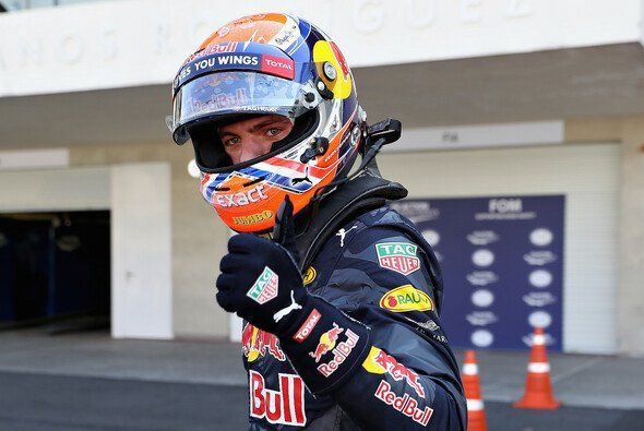 Max Verstappen kennt auf der Strecke keine Freunde - Foto: Red Bull