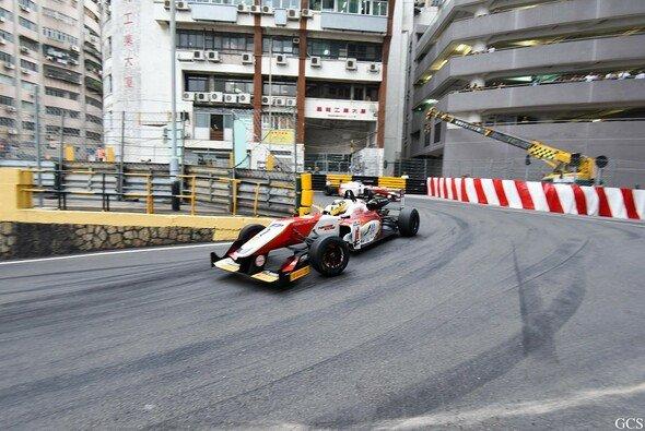Auch in diesem Jahr geht es durch die Häuserschluchten von Macau - Foto: Macau GP