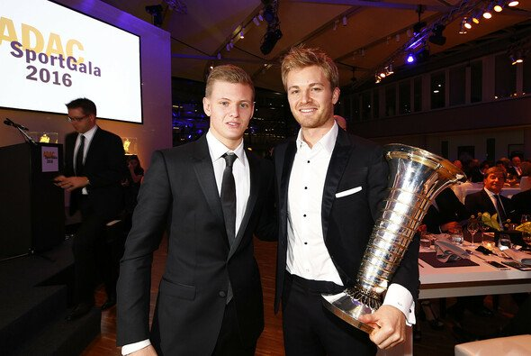Nico Rosberg mit Mick Schumacher - Foto: ADAC
