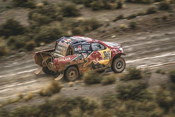 Die Dakar hat schon besseres Wetter erlebt - Foto: dvz-media