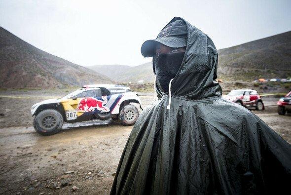 Ellen Lohr berichtet in ihrer Kolumne von der Rallye Dakar 2017 - Foto: Peugeot