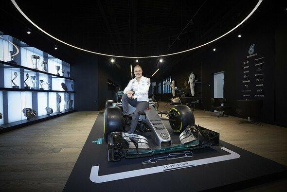 Valtteri Bottas wechselt zu Mercedes - Foto: Mercedes-Benz