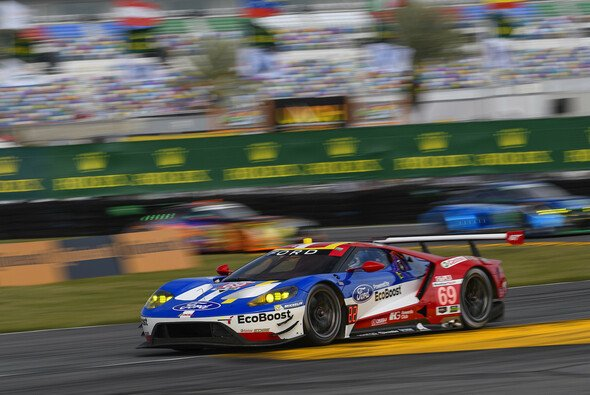 In Le Mans ist wieder jede Menge Motorsport-Prominenz dabei - Foto: Ford