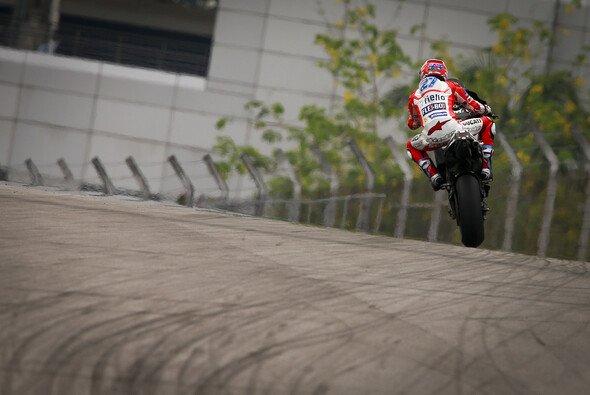 Casey Stoner testet für Ducati in Malaysia - Foto: MotoGP