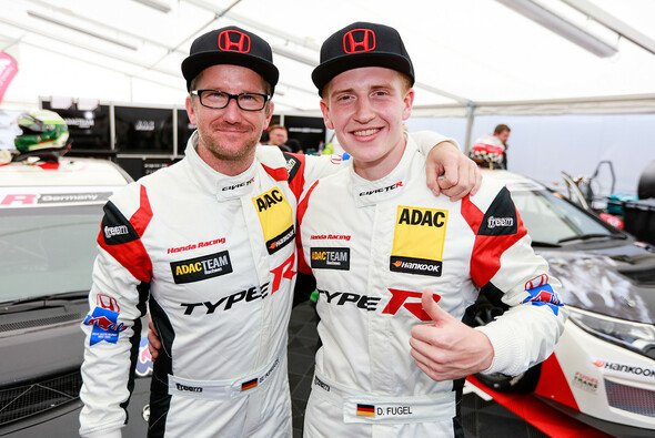 Steve Kirsch (links) und Dominik Fugel - Foto: ADAC TCR Germany