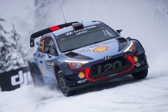 Thierry Neuville war auf Eis und Schnee bis zu seinen Ausfällen kaum zu schlagen - Foto: Red Bull