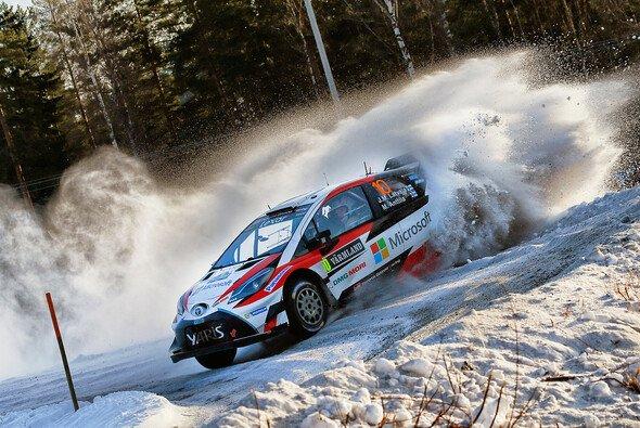 Jari-Matti Latvala beschert Toyota den ersten Sieg des Comebacks - Foto: Toyota Gazoo Racing