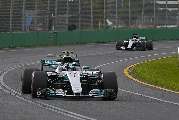 Hamilton top, Bottas konkurrenzfähig - Foto: Mercedes-Benz