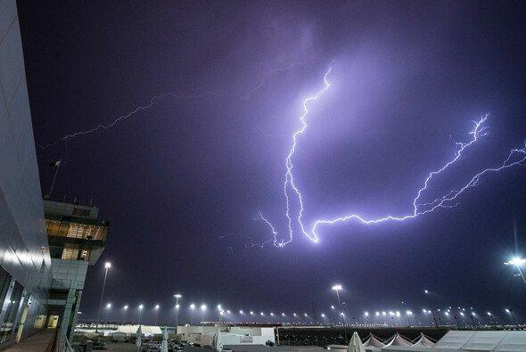 In der Geschichte der MotoGP hat es schon viele Wetterkapriolen gegeben - Foto: KTM
