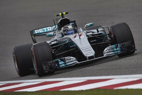 Bottas sitzt als Rosberg-Nachfolger im Mercedes - Foto: Mercedes-Benz