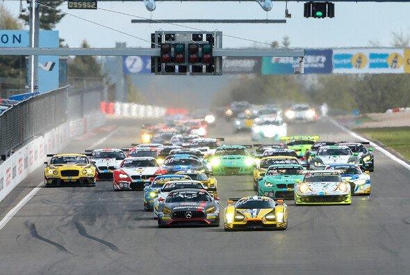 Die Termine der 24h Nürburgring stehen von 2018 bis 2023 fest - Foto: 24h Media