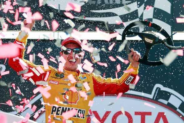 Joey Lognao feiert ersten Saisonsieg - Foto: NASCAR