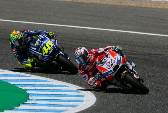 Valentino Rossi zieht seinen Hut vor Andrea Doviziosos Ausdauer - Foto: Tobias Linke