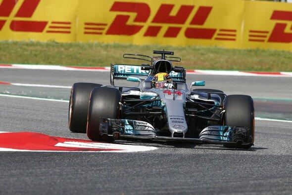 Lewis Hamilton führt im DHL Fastest Pit Stop Award - Foto: Mercedes-Benz
