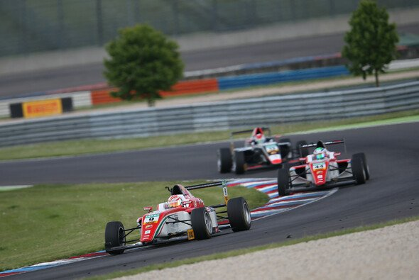 Mit Armstrong und Vips haben beim Finale in Hockenheim zwei Piloten von Prema Titelchancen - Foto: ADAC Formel 4