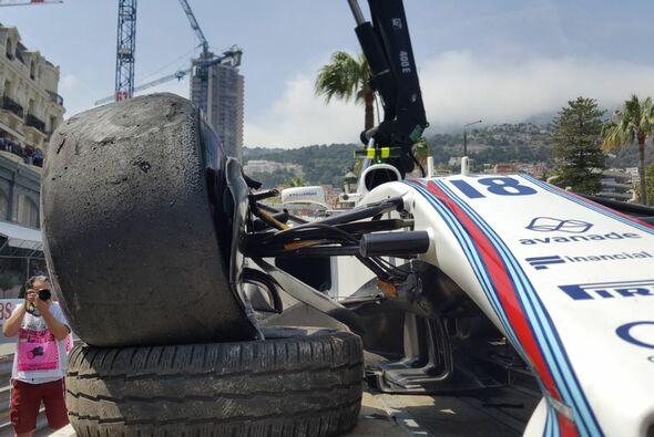 Für Lance Stroll war das 2. Monaco-Training nach einem Unfall beendet - Foto: Motorsport-Magazin.com
