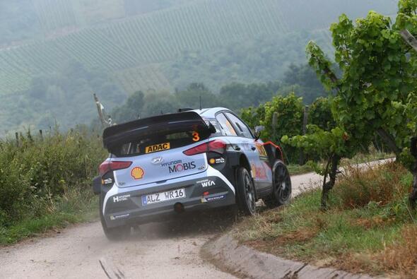 Die ADAC Rallye Deutschland ist eine extrem anspruchsvolle Herausforderung für Mensch und Maschine - Foto: ADAC Rallye Deutschland
