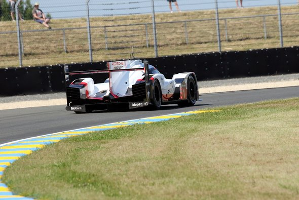 In Le Mans ändert sich die Streckenführung bei den Porsche-Kurven geringfügig - Foto: Speedpictures
