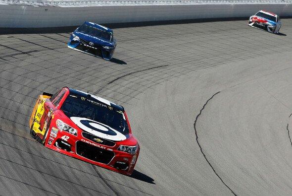 Auch den zweiten Saisonsieg holte Kyle Larson nach Pole Position - Foto: NASCAR
