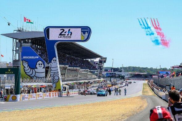 Wir liefern euch die Termine zu allen wichtigen Sportwagen-Serien und -Rennen 2018 - Foto: Adrenal Media
