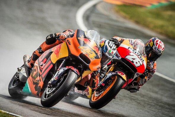 Pol Espargaro würde Dani Pedrosa gern bei KTM an Bord haben - Foto: KTM