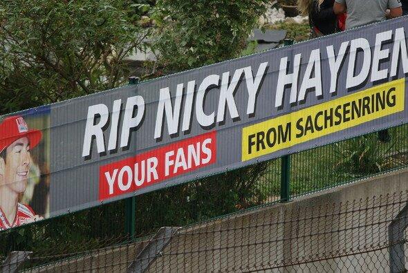Auch am Sachsenring gedachten die Fans Nicky Hayden - Foto: Tobias Linke