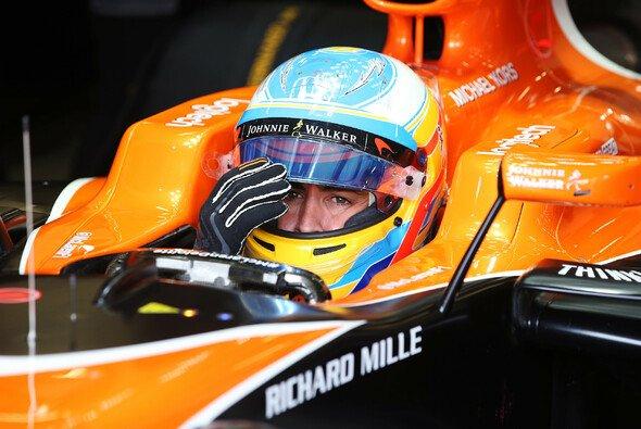 Fernando Alonso war mit seiner Bestzeit in Q1 kurz wieder zurück an der Weltspitze - Foto: LAT Images