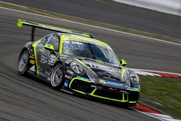 raceunion Huber Racing feiert am Nürburgring einen Doppelsieg in der B-Wertung - Foto: Gruppe C GmbH