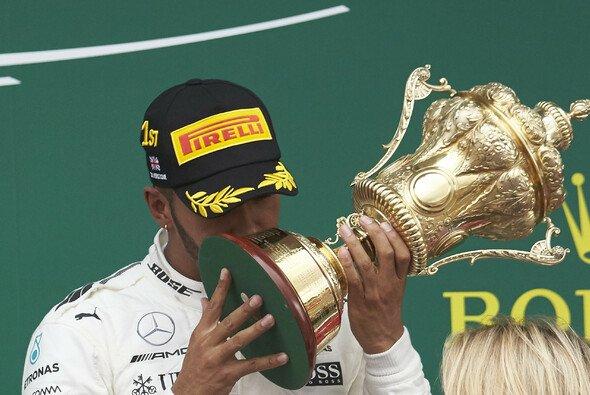 Lewis Hamilton fuhr in Silverstone den fünften Grand Slam seiner Karriere ein - Foto: Mercedes-Benz