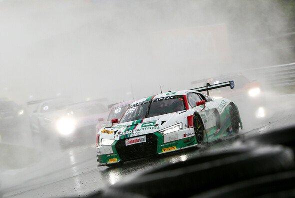 Connor De Phillippi und Christopher Mies setzten sich im Regen durch - Foto: ADAC GT Masters