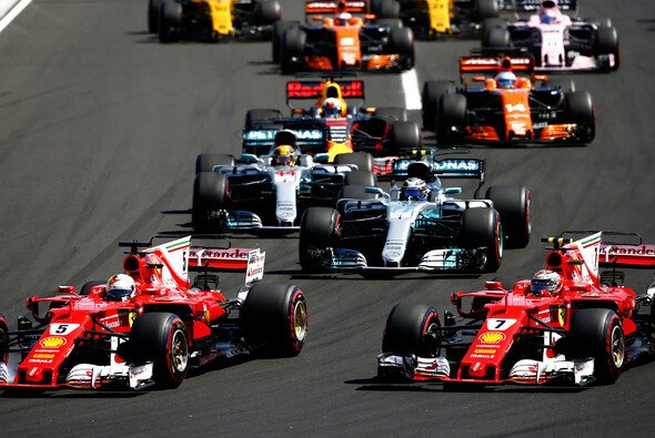 Die neuen Autos in der Formel 1 im Zeiten-Check - Foto: LAT Images