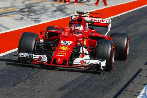 Leclerc testete in Ungarn im Ferrari - Foto: LAT Images