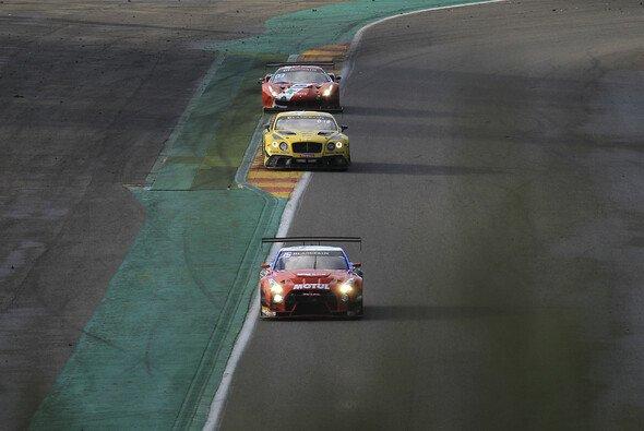 FIA WMSC: Für GT3-Autos gelten ab sofort Mindeststückzahlen - Foto: Vision Sport Agency