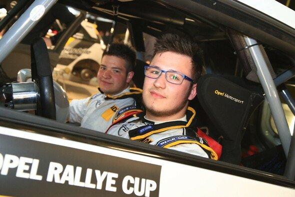 Fabian Rotter wird im zweiten Lauf auf seinen Vater Horst treffen, der ein einmaliges Comeback gibt - Foto: ADAC Opel Rallye Cup