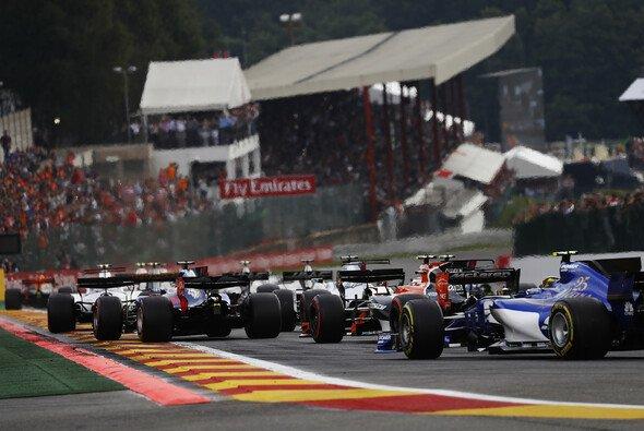 Das Fahrerfeld der Formel 1 für 2018 nimmt immer klarere Formem an - Foto: LAT Images