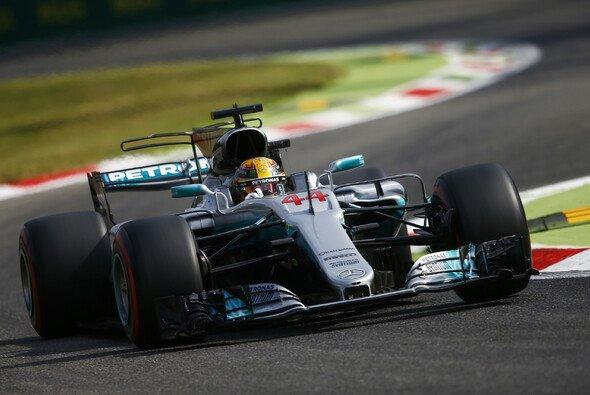 Lewis Hamilton (Mercedes) fuhr die schnellste Zeit im 1. Training in Monza - Foto: LAT Images