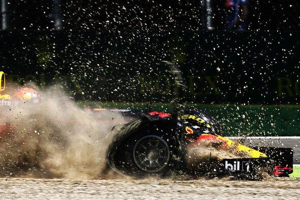 Max Verstappen machte in Monza Erfahrung mit dem Vollkontaktsport Fornmel 1 - Foto: LAT Images