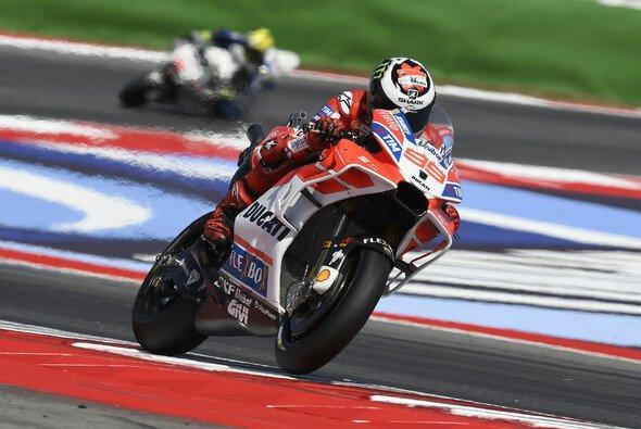 Jorge Lorenzo ist auf dem Vormarsch - Foto: Ducati
